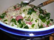 Krautsalat mit Speck und Wurst - Rezept