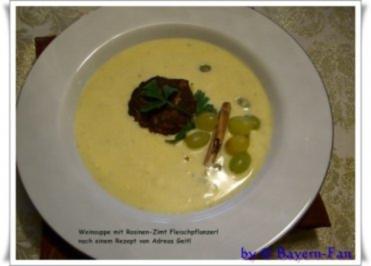 Weinsuppe mit Rosinen-Fleischpflanzerl - Rezept