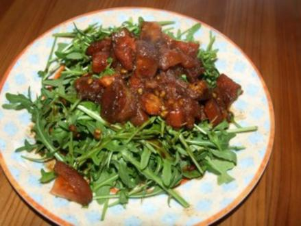 Ruccolasalat mit Tomatendressing - Rezept