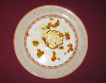 Frischkäsecreme überbacken, mit geräucherter Forelle und Gemüsemäntelchen - Rezept