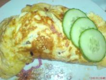 Omelett ~ herzhaft gefüllt ~ mit Bratkartoffeln - Rezept