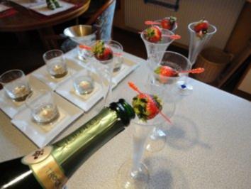 Sekt mit Pistazien-Schoko-Erdbeere - Rezept