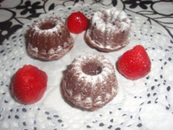 Dessert: Schokoladen-Gugelhupfe Petit Four - Rezept