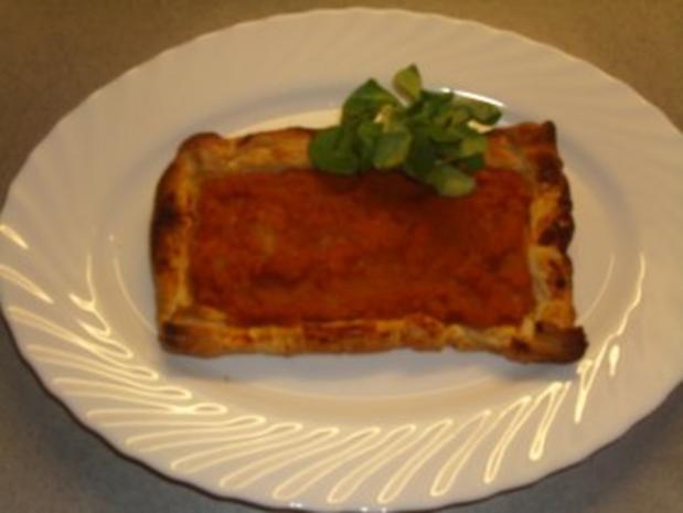 Pikante Kuchen: Rote Linsenpaste auf Blätterteig - Rezept