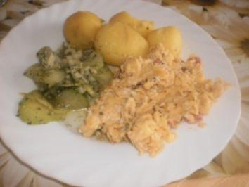 Rührei ~ Pellkartoffeln ~ Gurkensalat - Rezept