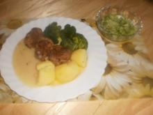 Schweinfilets ~ Broccoli ~ Salzkartoffeln ~ Gurkensalat - Rezept