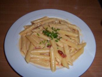 Nudeln in weißer Tomatensoße - Rezept