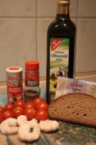 Tomaten-Garnelen-Teller mit Brotstreifen - Rezept - Bild Nr. 2