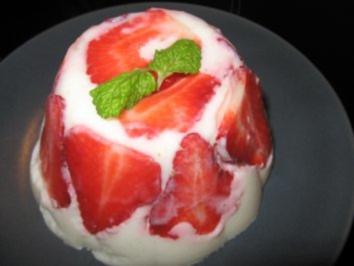 Erdbeer-Buttermilchpudding - Rezept