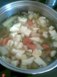 Rezept: Frühlingssuppe mit Eierstich