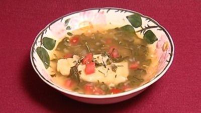 Spinatsuppe mit Parmesanravioli (Eva Jacob) - Rezept