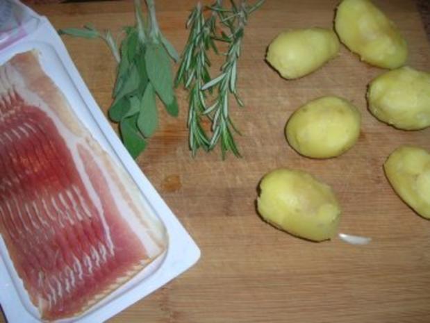 Salbei-Rosmarin-Kartoffeln im Speckmantel (Beilage zu Fleisch und Fisch) zu Kalbshaxe - Rezept - Bild Nr. 4