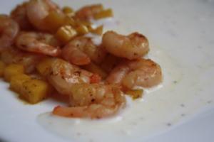 Garnelen-Mango-Pfanne mit Joghurt-Pfeffer-Soße - Rezept