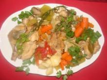 Geflügel : - Hähnchen in Weißwein und Gemüse gegart. - - Rezept