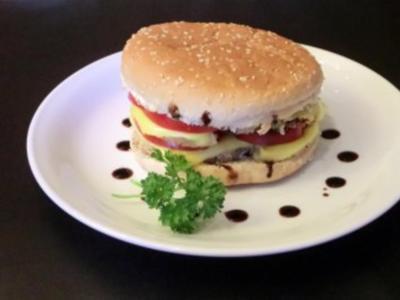 Ananas-Tomate-Mozzarella-Burger - Rezept