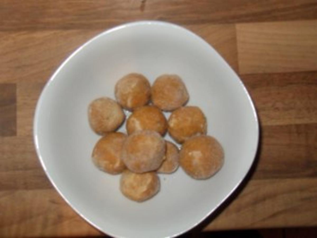 Zwiebackklösschen für jede Suppe - Rezept Gesendet von thebine