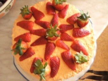 KUCHEN: Erdber im Apfelsahne Bett  auch für Vegetaria - Rezept
