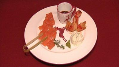Alpenlachs mit Rahmgurken und Teriyaki-Soße (Rosi Schipflinger) - Rezept