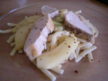 Hähnchenbrust mit Apfelgemüse und Ingwer-Chili Butter - Rezept