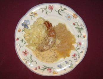 Kaninchenrückenfilet auf Champagnerkraut mit Schmandkartoffeln - Rezept
