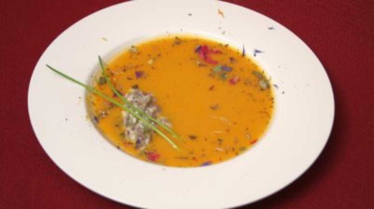 Bilder für Cremesuppe von der Süßkartoffel mit gebratenem Lammfilet - Rezept