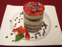 Basilikum-Tiramisu mit Erdbeer-Ragout - Rezept