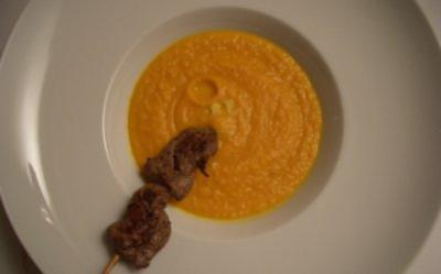 Lammfiletspieß auf Karotten-Ingwersüppchen - Rezept