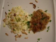 Steinbutt mit Pinienkernkruste auf süßsaurem Chinakohlsalat mit Mandarinen und Ananas - Rezept