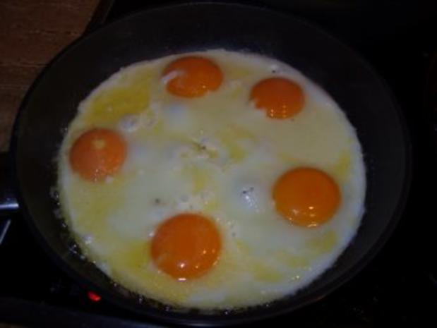 D: Leberkäse mit Bratkartoffeln, Spinat und Spiegelei - Rezept - Bild Nr. 7