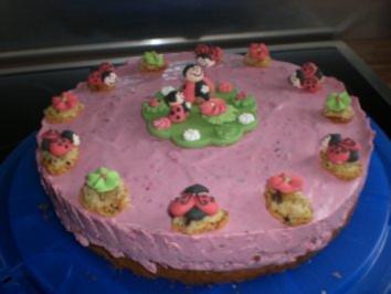 Smarties-Frischkäse-Torte - Rezept
