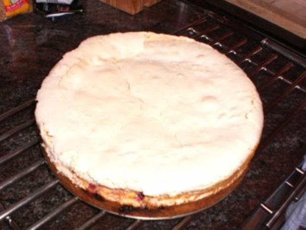 Johannisbeer-Baiser-Torte - Rezept - Bild Nr. 2