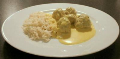 Rezept: Fleischbällchen in Currysauce dänischer Art