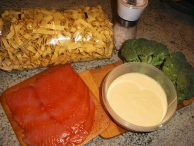 Nudelnester mit Broccili und Lachs - Rezept - Bild Nr. 2