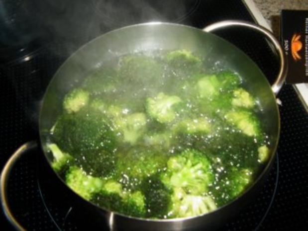 Nudelnester mit Broccili und Lachs - Rezept - Bild Nr. 4
