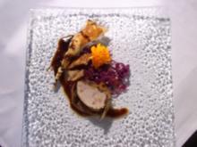 Mariniertes Schweinefilet im Blätterteigmantel auf lauwarmen Rotkohl - Rezept