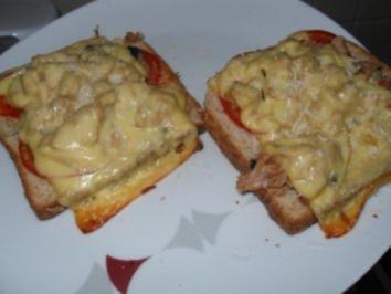 Thunfischtoast mit Pilzen u. Tomaten - Rezept