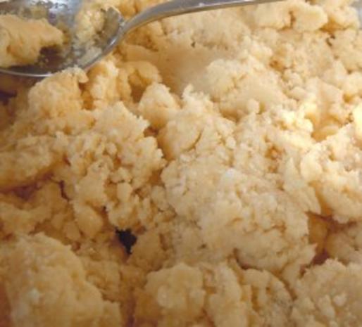 Rhabarber-Tonka-Krümelkuchen - Rezept - Bild Nr. 3