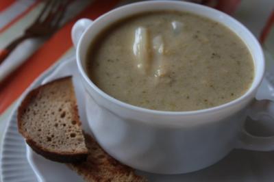 Suppe: Broccolisuppe mit Spargel - Rezept