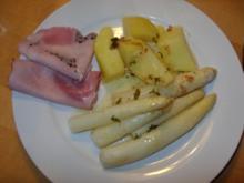 D: Spargel mit Salzkartoffeln, Schinkenplatte und Thymianbutter - Rezept