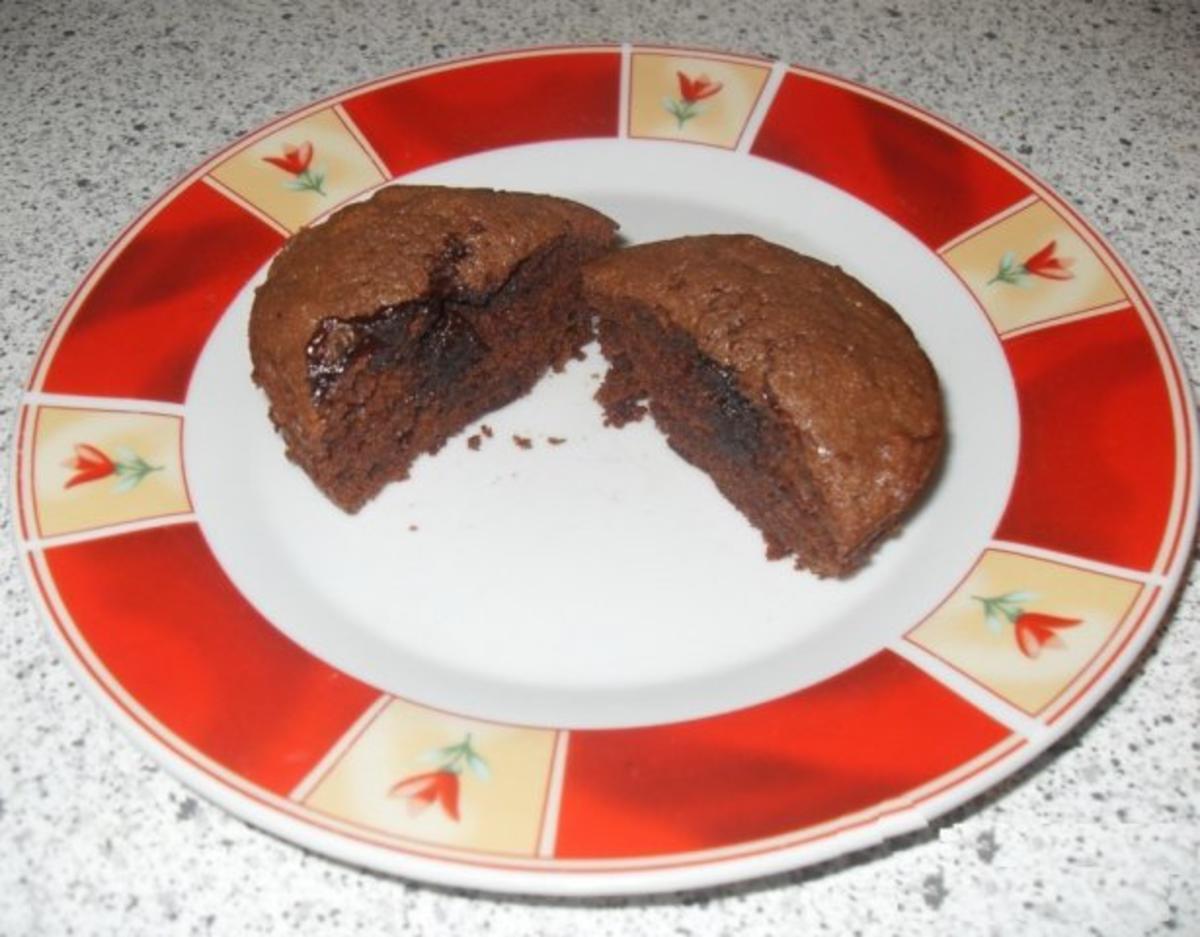 schoko muffins mit fl ssigem kern rezept. Black Bedroom Furniture Sets. Home Design Ideas
