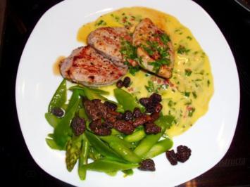 Fleisch: Schweinemedaillons mit Morcheln auf Spargel-Schoten-Gemüse - Rezept
