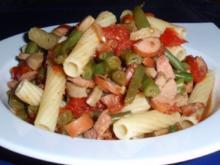 Nudel-Würstchen-Gemüse-Pfanne - Rezept