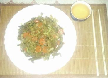 Gemüse, Rindfleisch und Nudeln aus den Wok - Rezept
