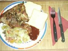 Rippen im Backofen mit Salat und Toast - Rezept