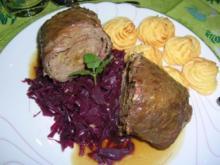 Rotkohl als Beilage zu Stani`s kleinem Rollbraten (gefüllte Rindrouladen in Maxiformat) - Rezept