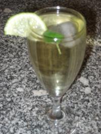Holunder-Prosecco-Schlürfchen - Rezept