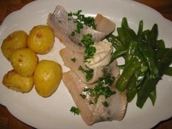 Matjiesfilets mit Speckböhnchen Kartoffeln und Sahnesaucee - Rezept