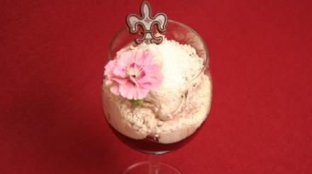 Schoko-Rum-Raspel-Mousse mit Brandy-Kirsche - Rezept