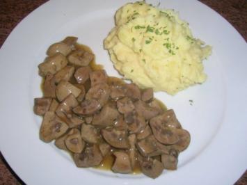 Saure Nierchen - unsere Art - mit Kartoffelpüree - Rezept