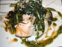 Lachsfilet auf Trüffelschaum und Pesto - Rezept - Bild Nr. 2